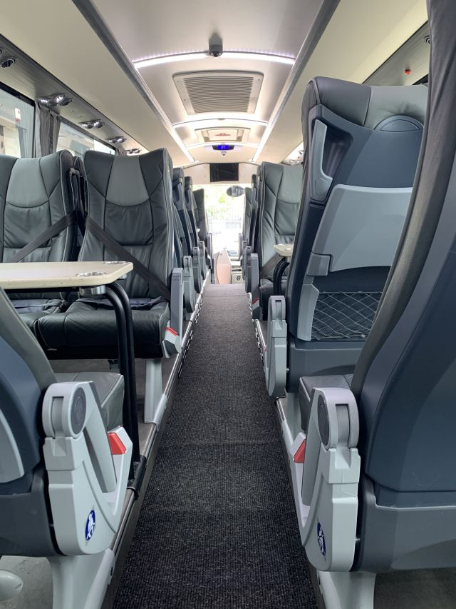 Stationary 30 Seat Platinum Picture 3
