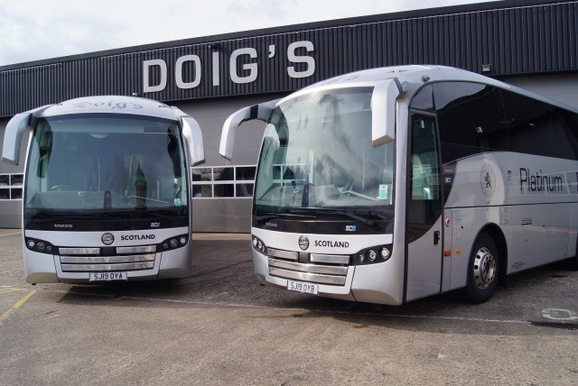 Link for Image to view Doigs of Glasgow Midi Coaches on the image